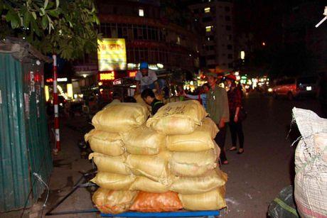 Hanh trinh nong san sach ve Thu do 'doi' ao moi cho tre em vung cao - Anh 3