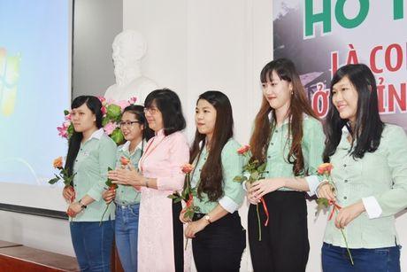 Dai hoc Dong A: Ho tro SV o 4 tinh vung lu mien Trung - Anh 3