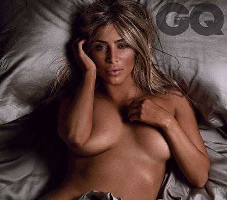 Bang sex cua Kim Kardashian hot den noi duoc bien thanh tro choi thuc te ao - Anh 2