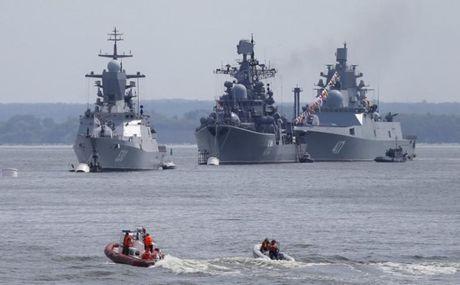 Nga cung co Ham doi Baltic de doi pho voi NATO - Anh 1