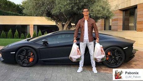 Anh che hai huoc Ronaldo voi sieu xe the thao Lamborghini Aventador - Anh 4
