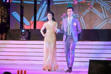 Thi sinh Tai sac Phuong Dong toa sang trong dem chung ket - Anh 11