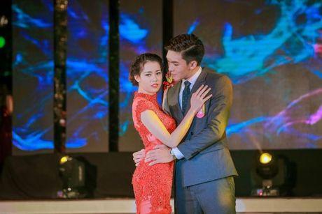 Thi sinh Tai sac Phuong Dong toa sang trong dem chung ket - Anh 12