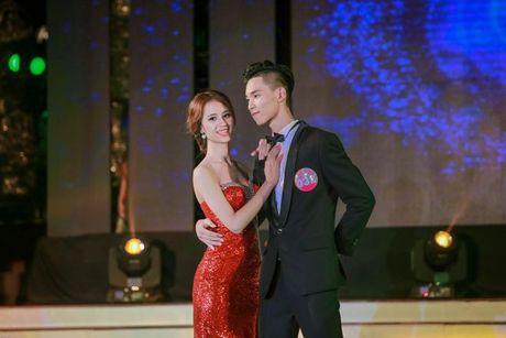 Thi sinh Tai sac Phuong Dong toa sang trong dem chung ket - Anh 14