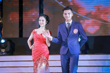 Thi sinh Tai sac Phuong Dong toa sang trong dem chung ket - Anh 6