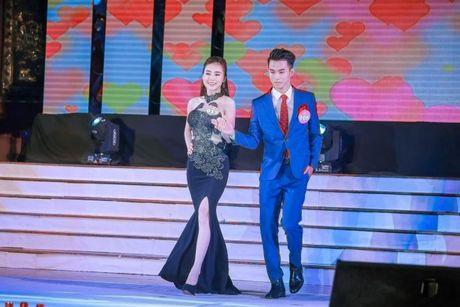 Thi sinh Tai sac Phuong Dong toa sang trong dem chung ket - Anh 7