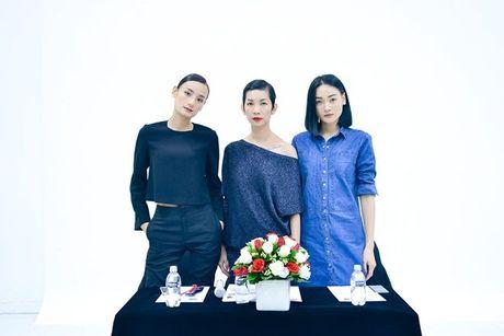 Sau nhieu nam lam 'ba trum' catwalk, Xuan Lan tuyen bo 'nhuong ngoi' cho Le Thuy va Thuy Trang - Anh 1