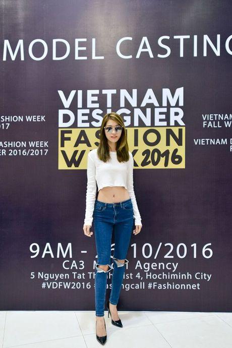 Sau nhieu nam lam 'ba trum' catwalk, Xuan Lan tuyen bo 'nhuong ngoi' cho Le Thuy va Thuy Trang - Anh 5