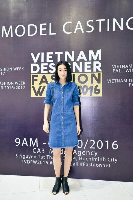 Sau nhieu nam lam 'ba trum' catwalk, Xuan Lan tuyen bo 'nhuong ngoi' cho Le Thuy va Thuy Trang - Anh 7