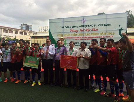 Caosu Phu Rieng dat giai nhat toan doan hoi thao CNVC - LD nganh Caosu VN - Anh 1