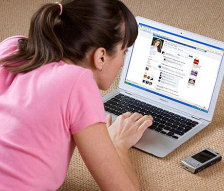Da Nang 'siet' can bo dung Facebook trong gio lam viec - Anh 1