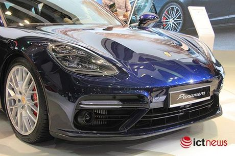 Can canh Porsche Panamera Turbo xuat hien tai Trien lam o to VIMS 2016 - Anh 16