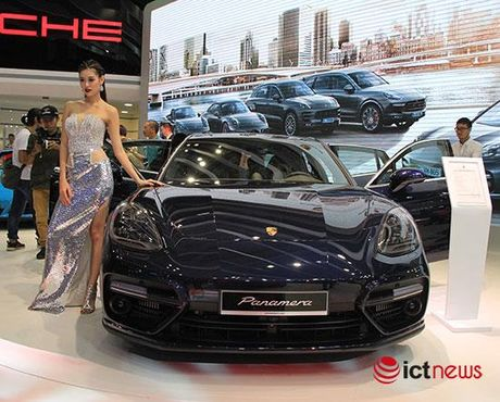 Can canh Porsche Panamera Turbo xuat hien tai Trien lam o to VIMS 2016 - Anh 1