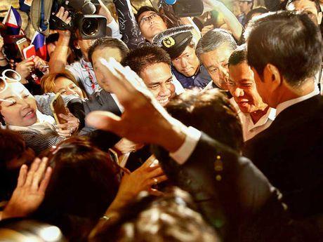 Duterte vua den Nhat da chi trich My - Anh 1