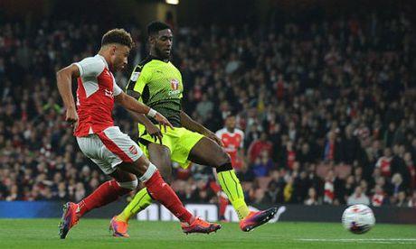 Ket qua bong da chau Au: Liverpool va Arsenal cuoi, Barca khoc - Anh 1
