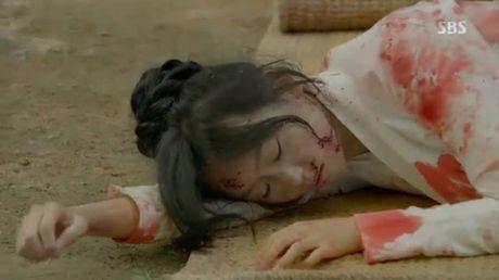 Nguoi tinh anh trang tap 18:Wang So bo mac Yeon Hwa dem dong phong - Anh 4