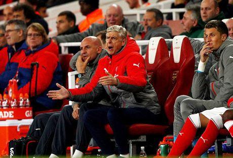 Arsenal 2-0 Reading: Nguoi hung Oxlade-Chamberlain - Anh 2