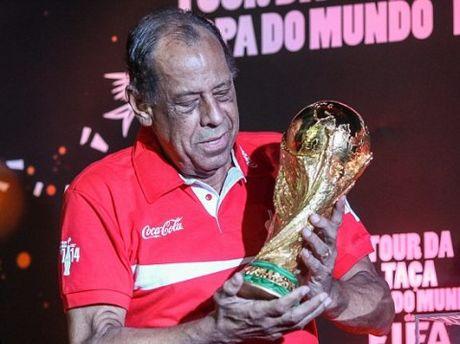 Chuyen chua ke ve ban thang dep nhat World Cup cua huyen thoai Carlos Alberto - Anh 2