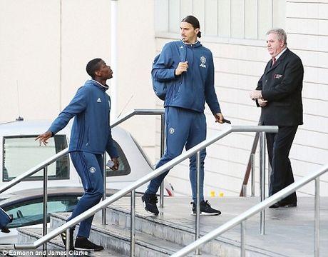 Ibrahimovic ngao nghe tuyen bo se tao 'KHAC BIET' truoc Man City - Anh 3