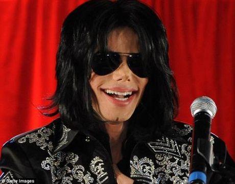 Lai to cao Michael Jackson cuong dam de doi boi thuong, nhung lan nay la mot phu nu - Anh 1