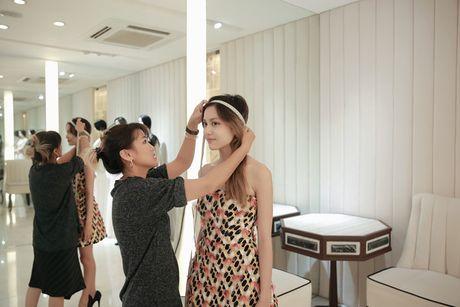 'Nam lun' La Thanh duoc NTK Cong Tri thiet ke, dong giay rieng - Anh 4
