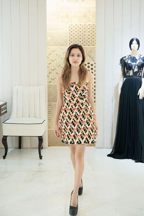 'Nam lun' La Thanh duoc NTK Cong Tri thiet ke, dong giay rieng - Anh 7