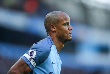 Doi hinh 'sieu tan cong' du kien giup Man City loai MU o League Cup - Anh 2