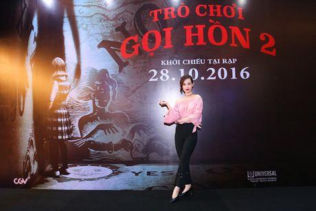 Hotgirl Quynh Chi goi cam di xem 'Tro choi goi hon 2' - Anh 1
