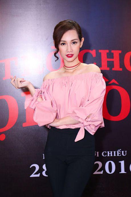 Hotgirl Quynh Chi goi cam di xem 'Tro choi goi hon 2' - Anh 2