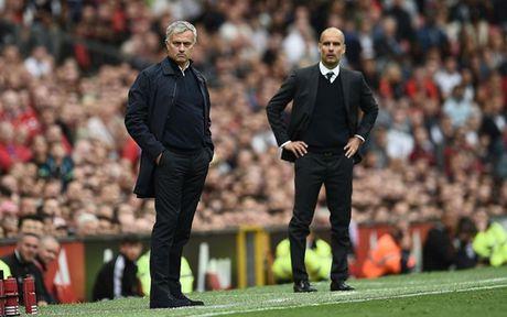 Chum anh: Cuoc song 'tham hoa' cua Jose Mourinho o Manchester - Anh 11