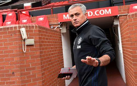 Chum anh: Cuoc song 'tham hoa' cua Jose Mourinho o Manchester - Anh 1
