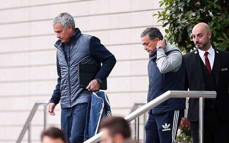 Chum anh: Cuoc song 'tham hoa' cua Jose Mourinho o Manchester - Anh 5