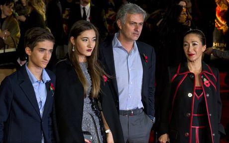 Chum anh: Cuoc song 'tham hoa' cua Jose Mourinho o Manchester - Anh 6