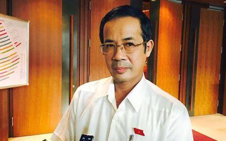 Pho Bi thu Quang Binh: 'Thu lai tien cuu tro la sai phuong phap' - Anh 1