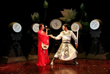 Xuan Bac hoa than thanh Ho Ton Hien trong 'Chuyen nang Kieu' - Anh 2