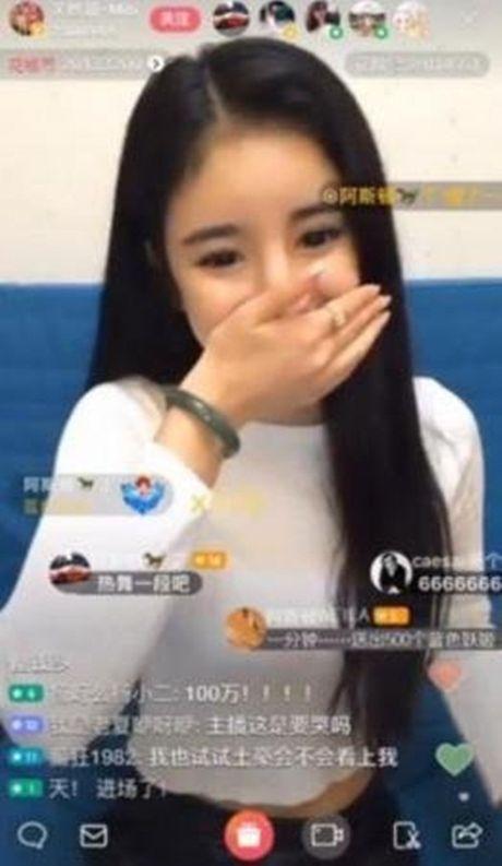 Gai tre TQ duoc tang 3,5 ty dong chi sau mot phut stream - Anh 2