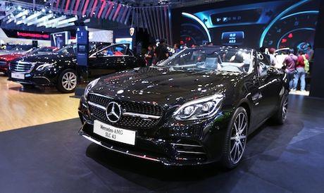 Mercedes-Benz gioi thieu loat xe tien ti tai Motoshow 2016 - Anh 1