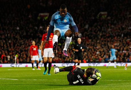 Juan Mata toa sang, Mourinho 'rua han' thanh cong truoc Pep Guardiola tai Old Trafford - Anh 2