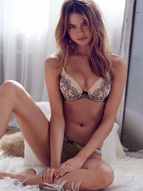 Behati Prinsloo dep hut mat voi than hinh day da - Anh 7