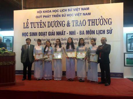 Nu sinh Bac Giang va thanh tich hoc lich su dang ne - Anh 4