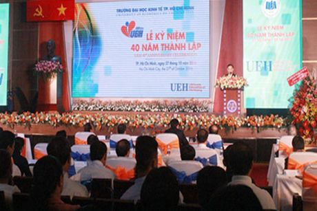 Chu tich nuoc Tran Dai Quang du le ky niem 40 nam Truong Dai hoc Kinh te TP Ho Chi Minh - Anh 3