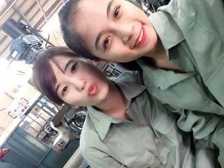 Co gai bat ngo noi tieng voi nick-name 'hot girl cong xuong' - Anh 3