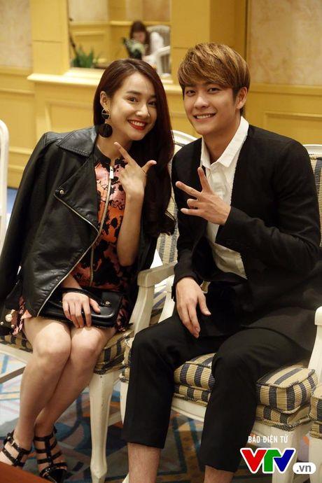Nha Phuong - Kang Tae Oh nhang nhit trong loat anh hau truong cuc doc - Anh 4