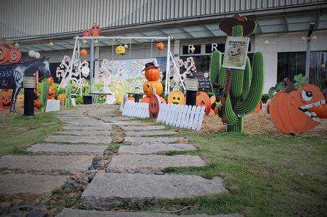 Pho Sai Gon moi la ben nhung qua bi khong lo chao Halloween - Anh 12