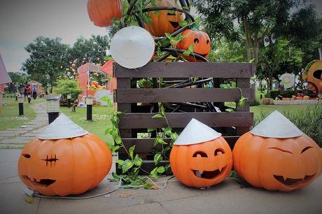 Pho Sai Gon moi la ben nhung qua bi khong lo chao Halloween - Anh 13