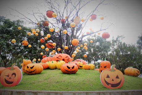 Pho Sai Gon moi la ben nhung qua bi khong lo chao Halloween - Anh 9