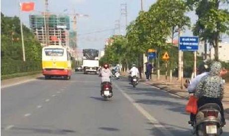 Ha Noi: Hien tuong xe buyt 'du' ngay cang nhieu bien tuong tinh vi - Anh 2