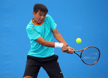 Ly Hoang Nam mo man F8 Futures thuan loi khi danh bai doi thu Canada - Anh 1