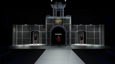 He lo san khau cua Vietnam International Fashion Week 2016 - Anh 2
