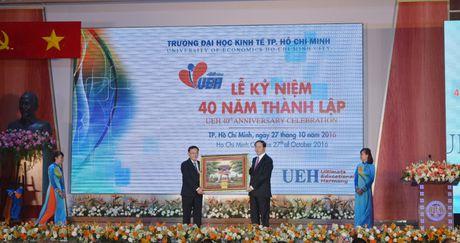 Chu tich nuoc du le ki niem thanh lap truong Dai hoc Kinh te TP. Ho Chi Minh - Anh 1